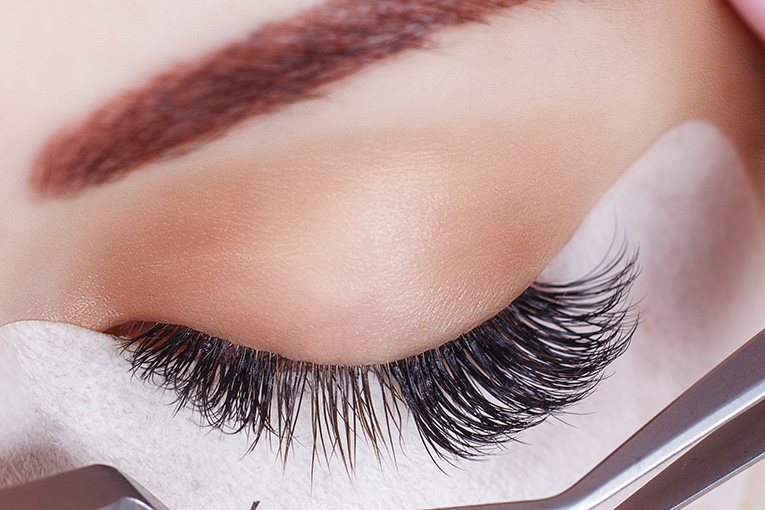 Eyelash extensions, tinting and lifting in Kitchener Waterloo